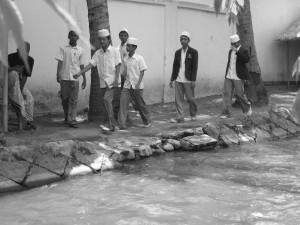 Melalui aliran sungai ini Nun Abdul Jalil mengirim surat kepada Nabiyullah Khidir Alaihissalam