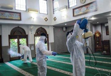 Proses Sterilisasi Masjid dari Virus