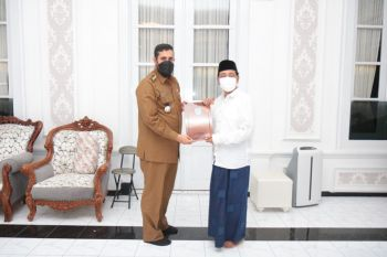 Pemkot Probolinggo Tandatangani MoU dengan STIKES Hafshawaty Genggong